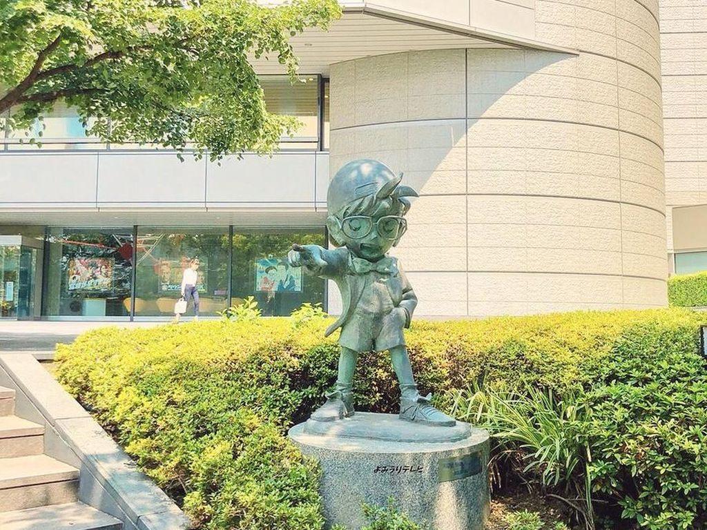 Ada-ada Saja... Patung Detective Conan Dicuri Kaito Kuroba di  Jepang