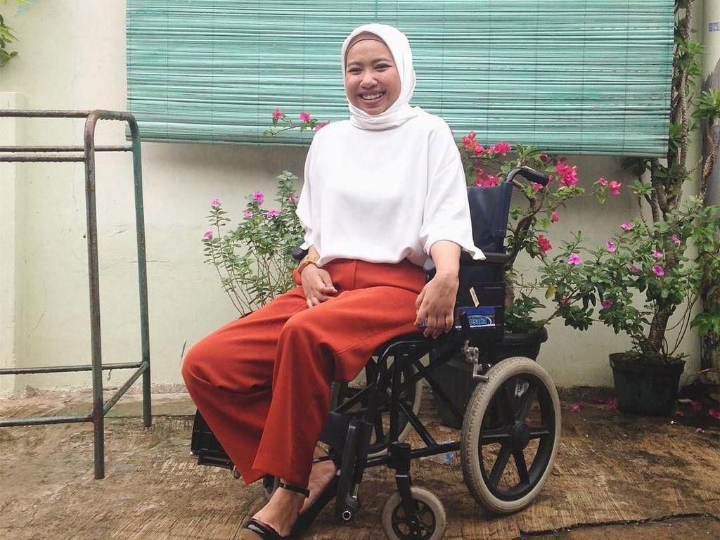 Inspiratif! Wanita Indonesia Ini Buat Gerakan Lipstik untuk Difabel