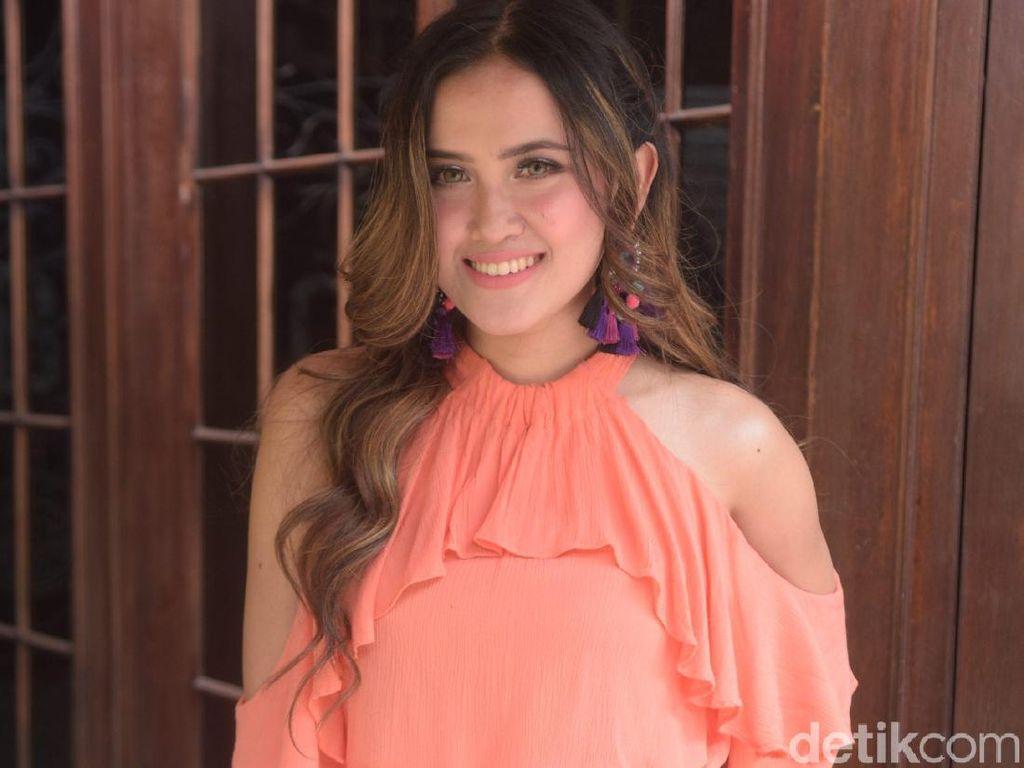 Meggy Diaz Bantah Hubungannya dengan Tukul Arwana Settingan