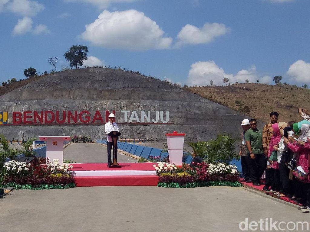 Jokowi Resmikan Bendungan Tanju di NTB