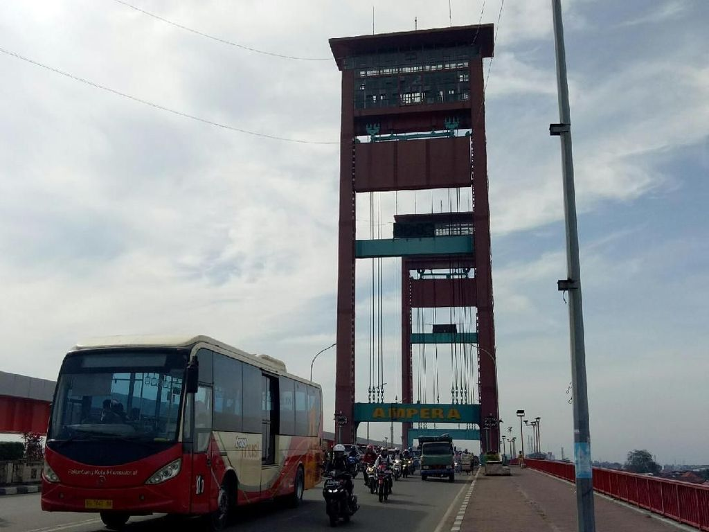 Terjun dari Jembatan Ampera Sumsel, Siswi SMA Tewas
