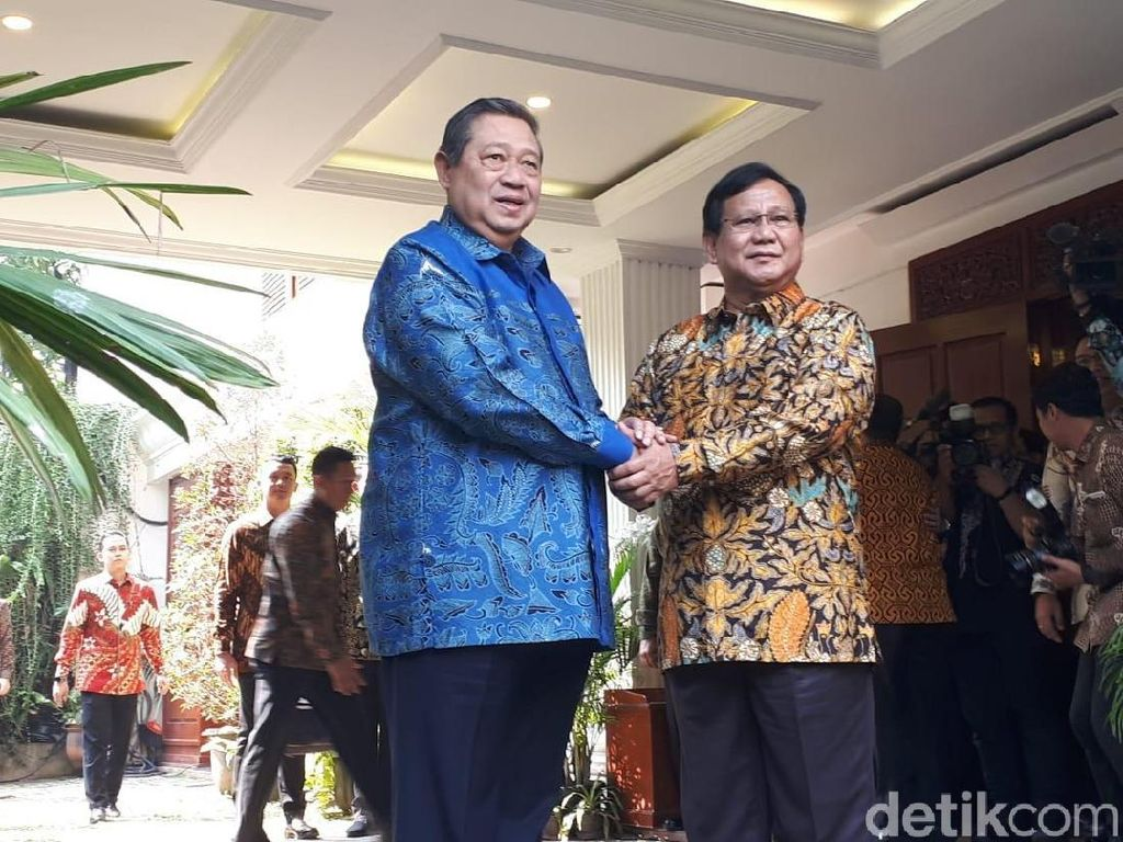 Momen Prabowo Sambut Hangat SBY di Kertanegara