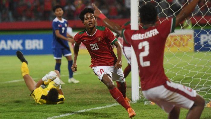 Amiruddin Bagus Kahfi mulai bersinar di Piala AFF U-16 2018, usai memborong dua gol di laga perdana Grup A melawan Filipina. Indonesia sendiri menang 8-0 di laga itu. (Foto: Zabur Karuru/Antara Foto)
