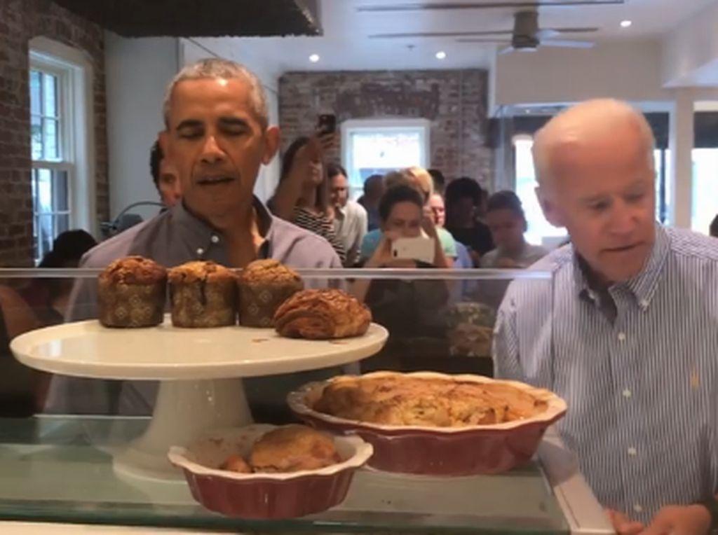 Saat Obama dan Biden Bikin Kaget Pengunjung Toko Roti
