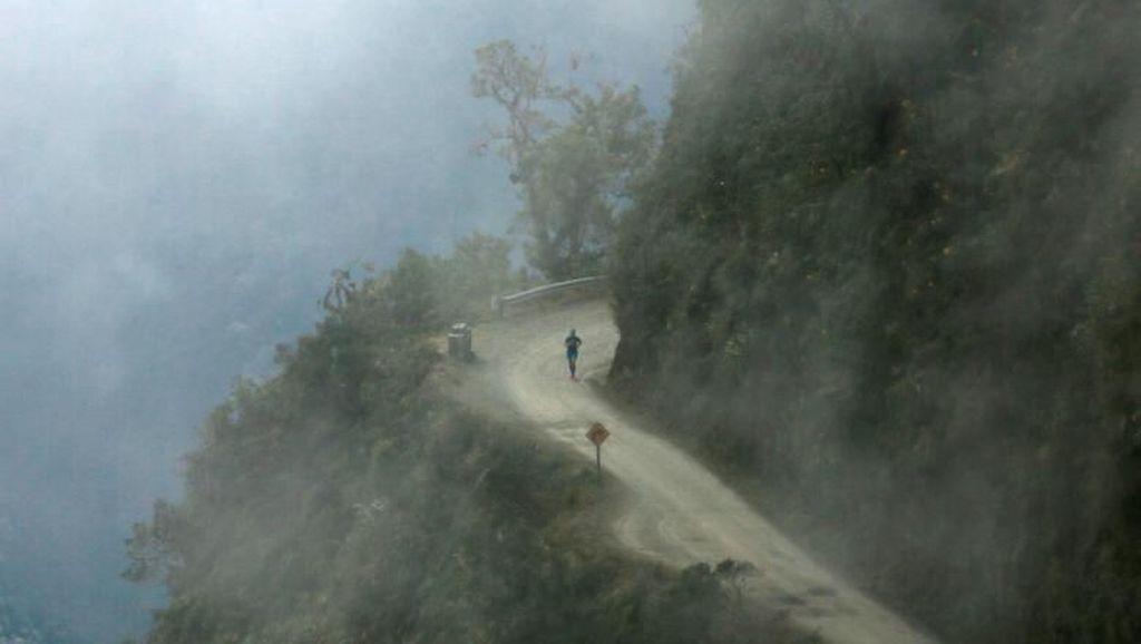 Foto: Lomba Lari di Jalan Kematian