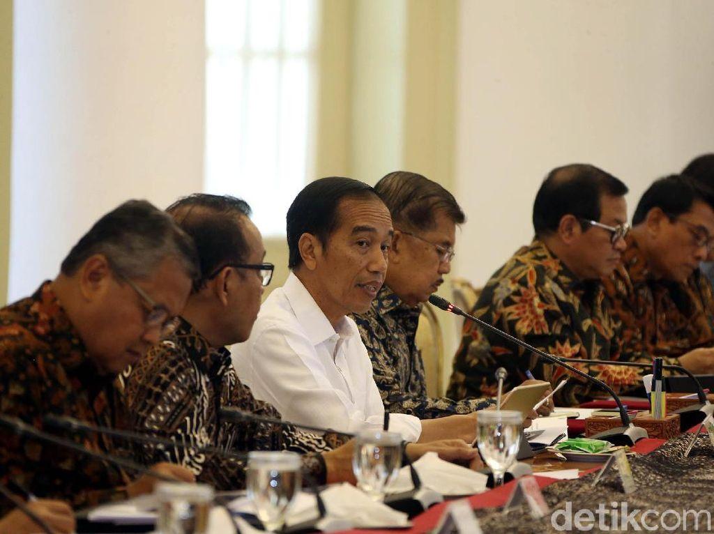 Tutup Mulut Usai Rapat, Ini yang Dibahas Sri Mulyani Cs dan Jokowi