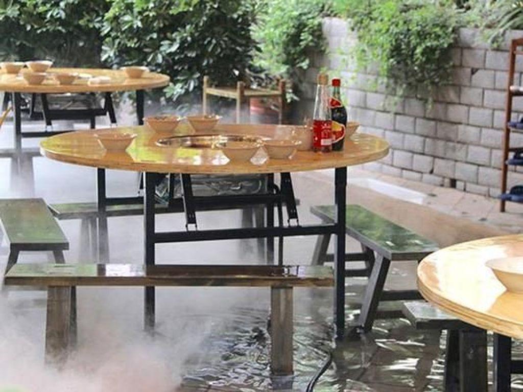 Keren! Berkat Ide Ini, Restoran Hot Pot Tetap Ramai Meski Cuaca Terik