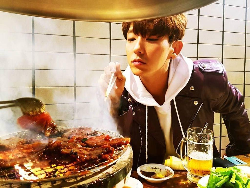 Kerennya Lee Joon Gi Saat Jualan Makanan hingga Makan Daging Panggang