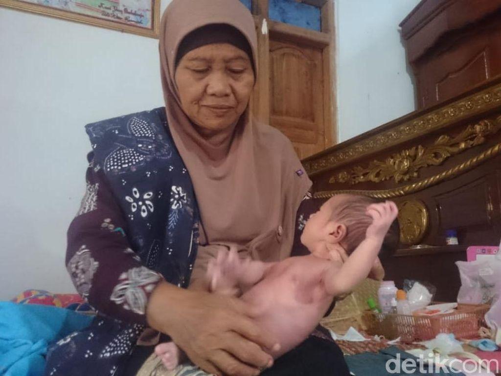 Menabung Belasan Tahun, Akhirnya Dukun Bayi di Pati Ini Naik Haji