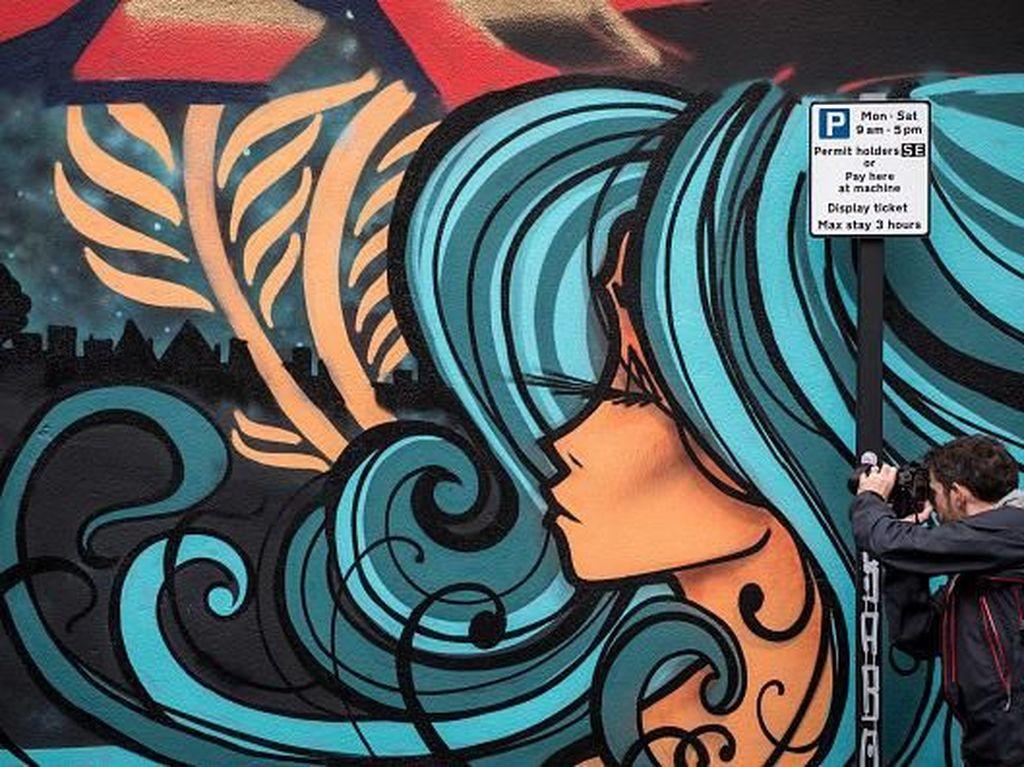 Keren! Unjuk Bakat Seniman Grafiti di Upfest Inggris