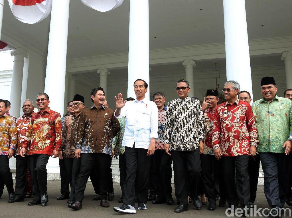 Saat Bupati Curhat dan Sampaikan Dukungan Jokowi 2 Periode