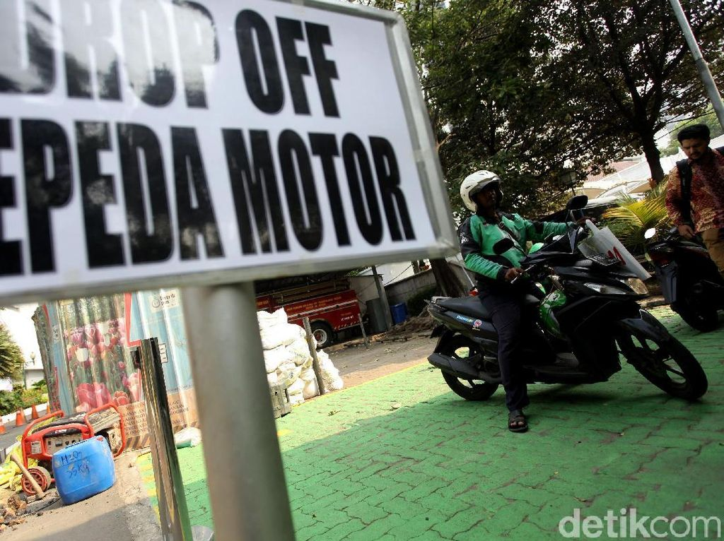 Pemprov DKI Sediakan Drop Off Ojol di Balai Kota