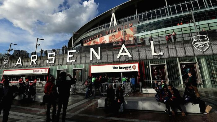 LONDON, ENGLAND - APRIL 26:  A general view from outside the stadium prior to the UEFA Europa League Semi Final leg one match between Arsenal FC and Atletico Madrid at Emirates Stadium on April 26, 2018 in London, United Kingdom.  (Photo by Richard Heathcote/Getty Images)