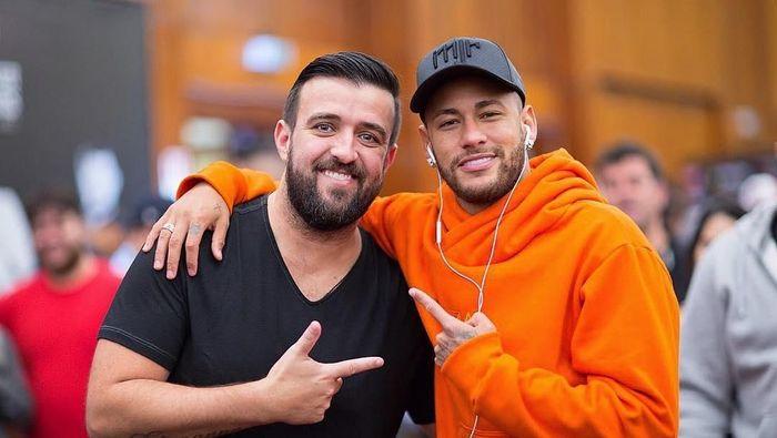 Neymar menghabiskan liburan di kampung halamannya, Brasil, setelah penampilan yang mengecewakan di Piala Dunia 2018 (Instagram @neymarjr)