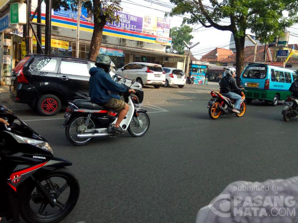 Ih, Masih ada Honda Astrea Pantat Monyet di Jalanan