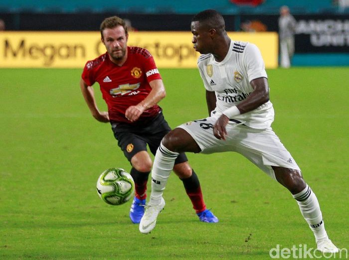 Pemain baru Real Madrid, Vinicius Junior. (Foto: Andrew Innerarity/Reuters)