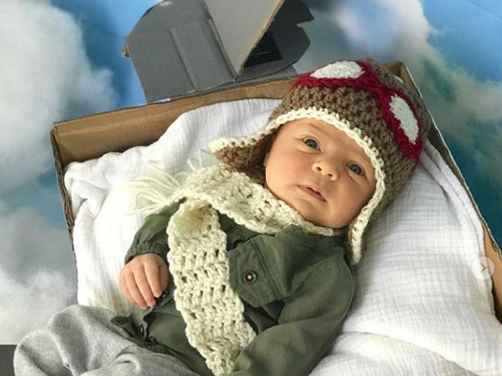 Gemas! Bayi Ini Didandani Jadi Tokoh Wanita Inspiratif