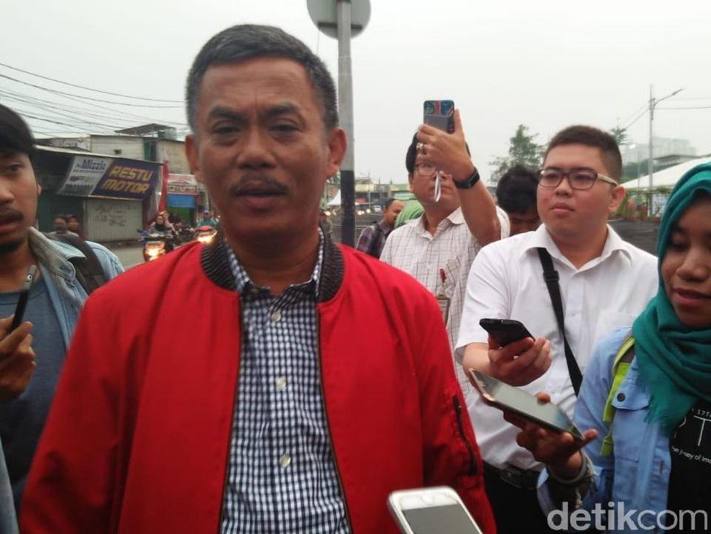 Anies soal Kali Item: Ketua DPRD Kini Makan Tongseng di Pinggir Kali