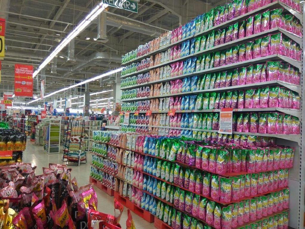 Unik! Minimarket Ini Jual Barang Palsu dari Kain Felt