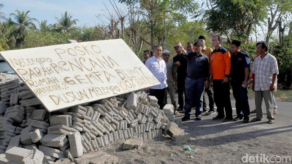 DPR Kunjungi dan Beri Bantuan untuk Korban Gempa di Lombok