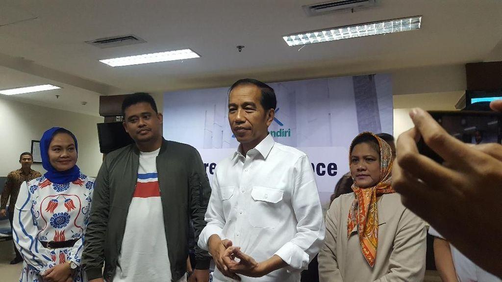 Potret Jokowi Umumkan Kelahiran Putri Kahiyang Ayu