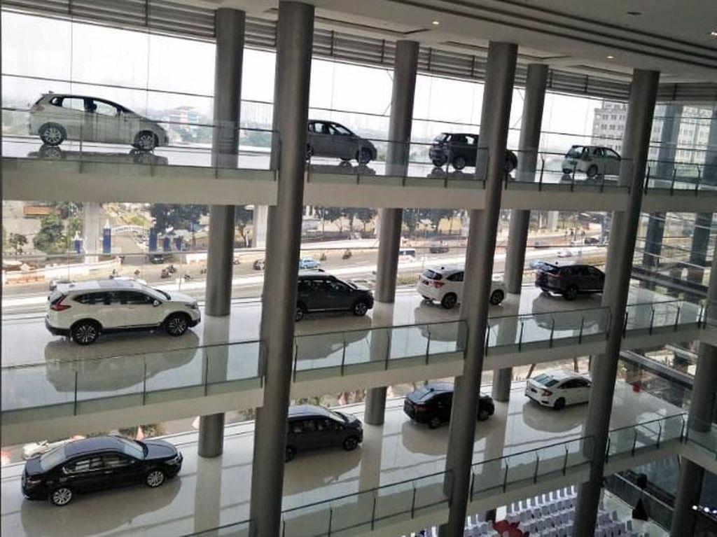 Jangan Harap Harga Mobil Langsung Turun Saat Rupiah Menguat