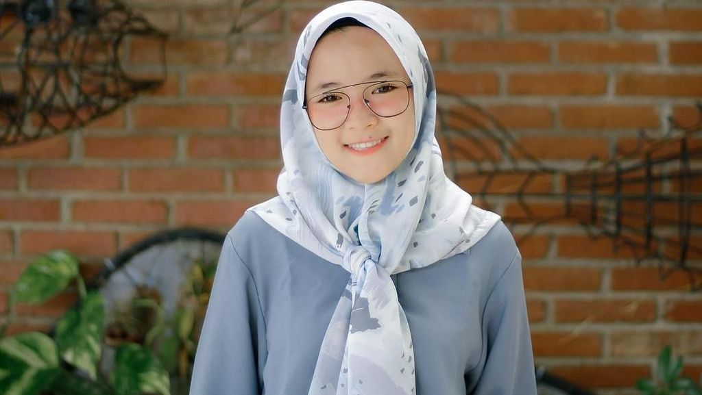 Foto: Ini Bukti Nissa Sabyan Selalu Imut Pakai Gaya Hijab Apapun
