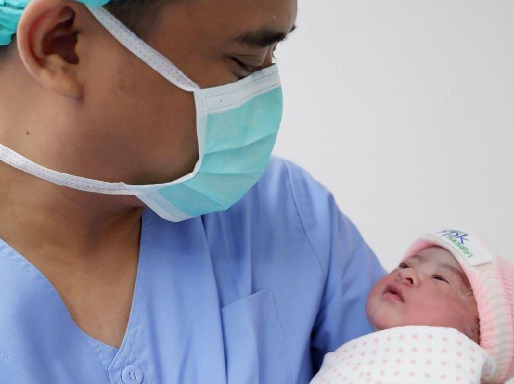 Video Wajah Lucu Cucu Kedua Pak Jokowi