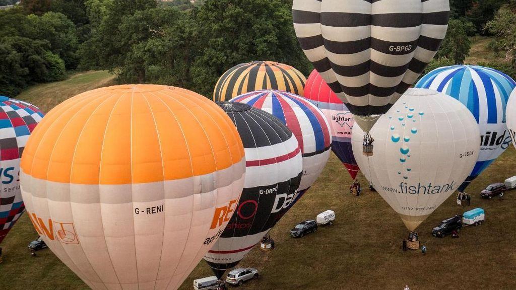 Warna-warni Balon Raksasa di Bristol Inggris