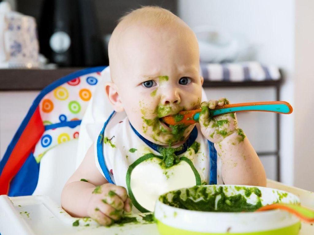 Gemas! Ini Reaksi Lucu dari 6 Balita Saat Cicip Makanan Pertamanya