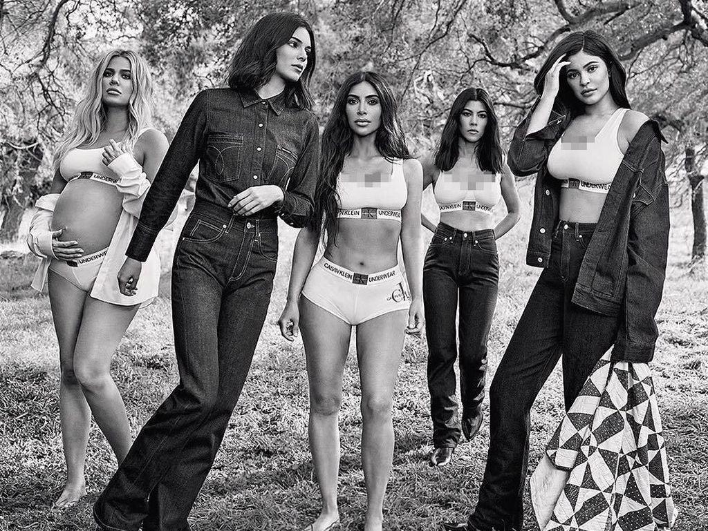 Keluarga Kardashian Tampil Seksi di Iklan Calvin Klein Terbaru