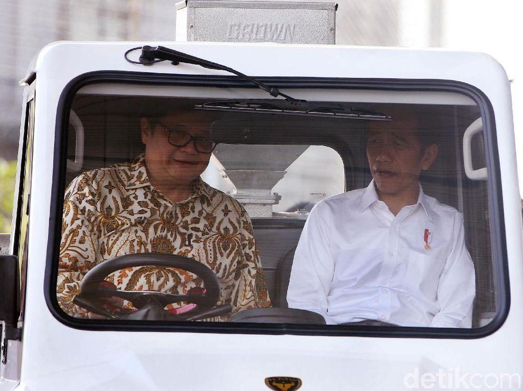Aturan Mobil Listrik, Jokowi: Tunggu September