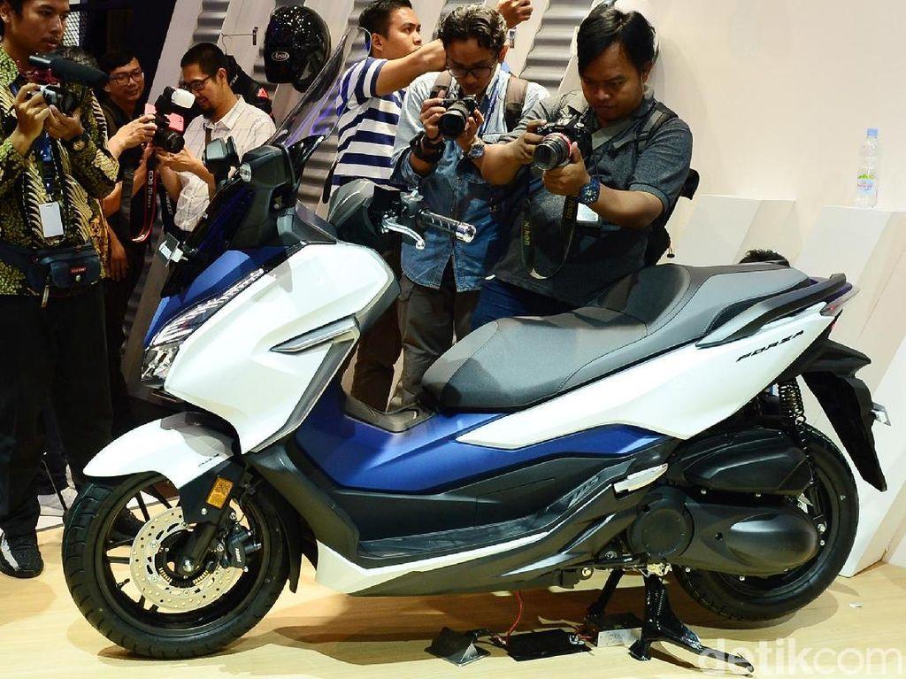 IMOS 2018: Honda Umumkan Harga Skutik Forza 250, Rp 76,5 Juta