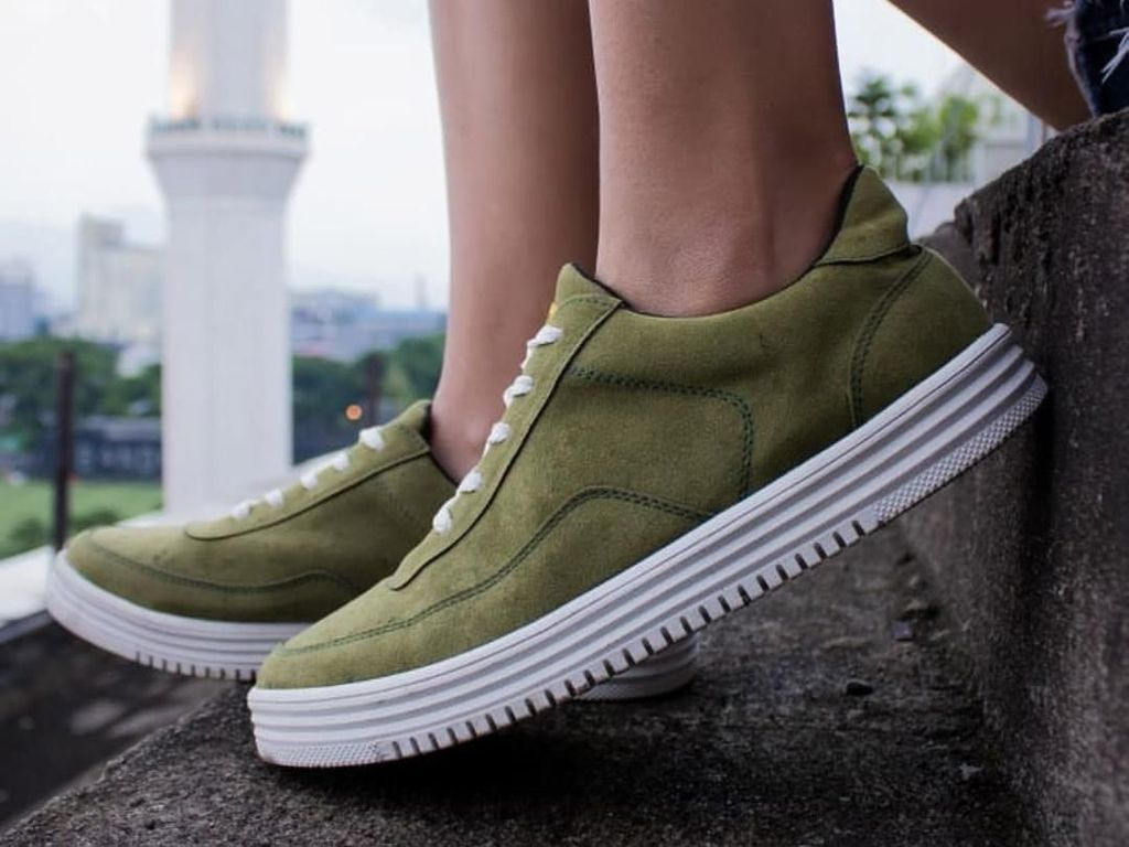Begini Sulitnya Bikin Sneakers Lokal yang Kini Dipakai Jokowi