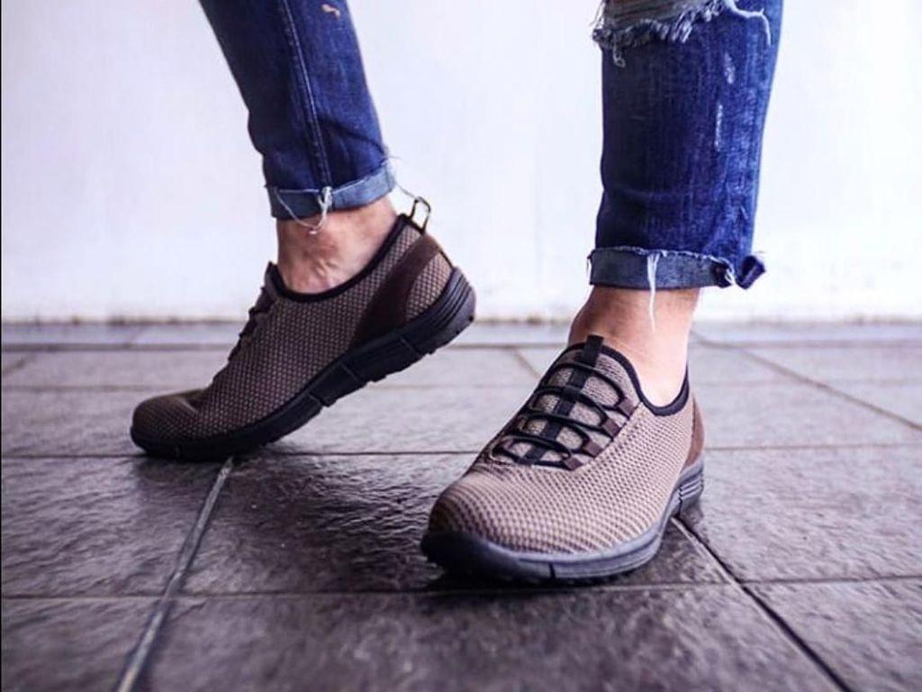 Bisnis Sneakers Lokal yang Dipakai Jokowi: Laku 3.000/Bulan
