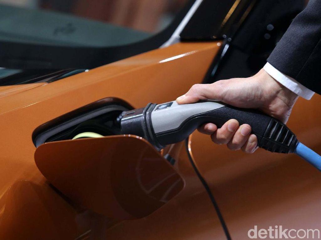 BMW Bisa Rakit Mobil Hybrid di Indonesia?