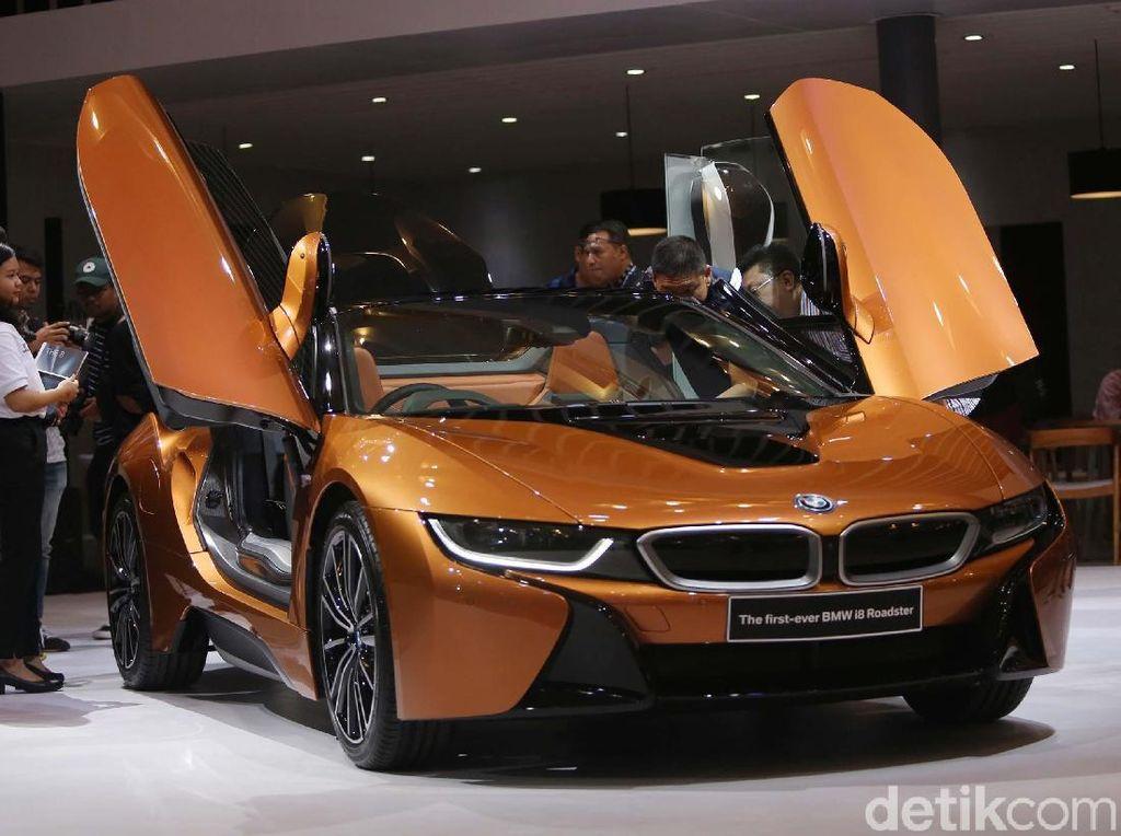 GIIAS 2018: Si Seksi BMW i8 Roadster Hanya untuk Penggila Otomotif