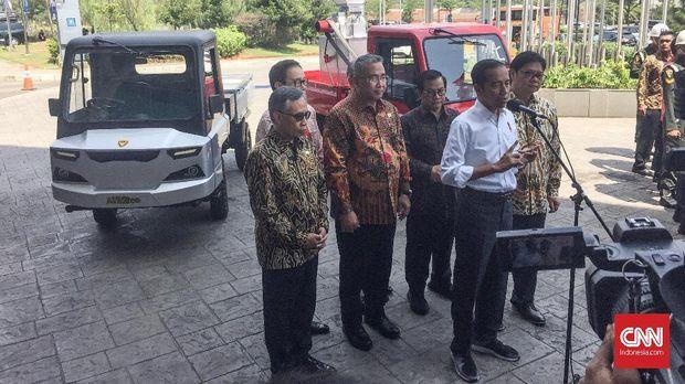 Jokowi di GIIAS