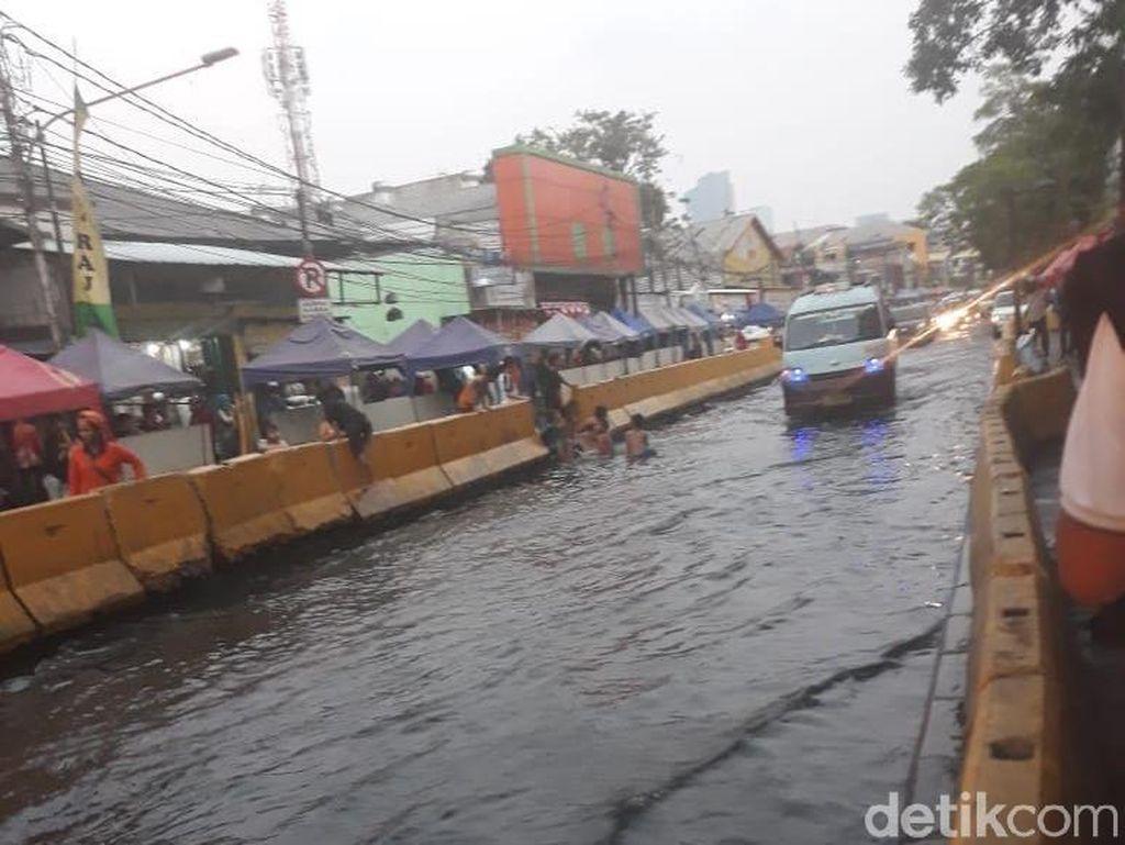 Tak Ada Hujan, Jl Jatibaru Tanah Abang Tergenang