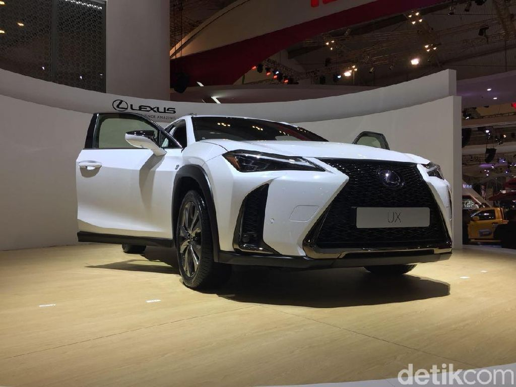 GIIAS 2018: Lexus Luncurkan SUV Mewah Pertama di Asia