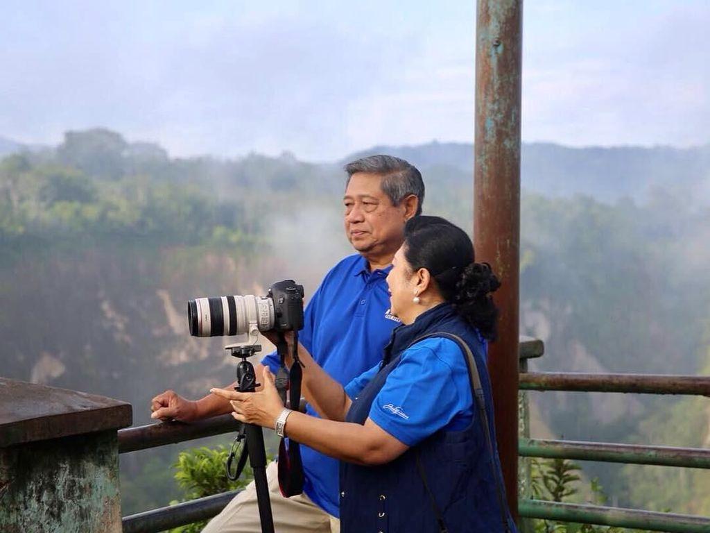 SBY Tolak Saran Liburan AHY, Masih Sedih Kenang Bu Ani