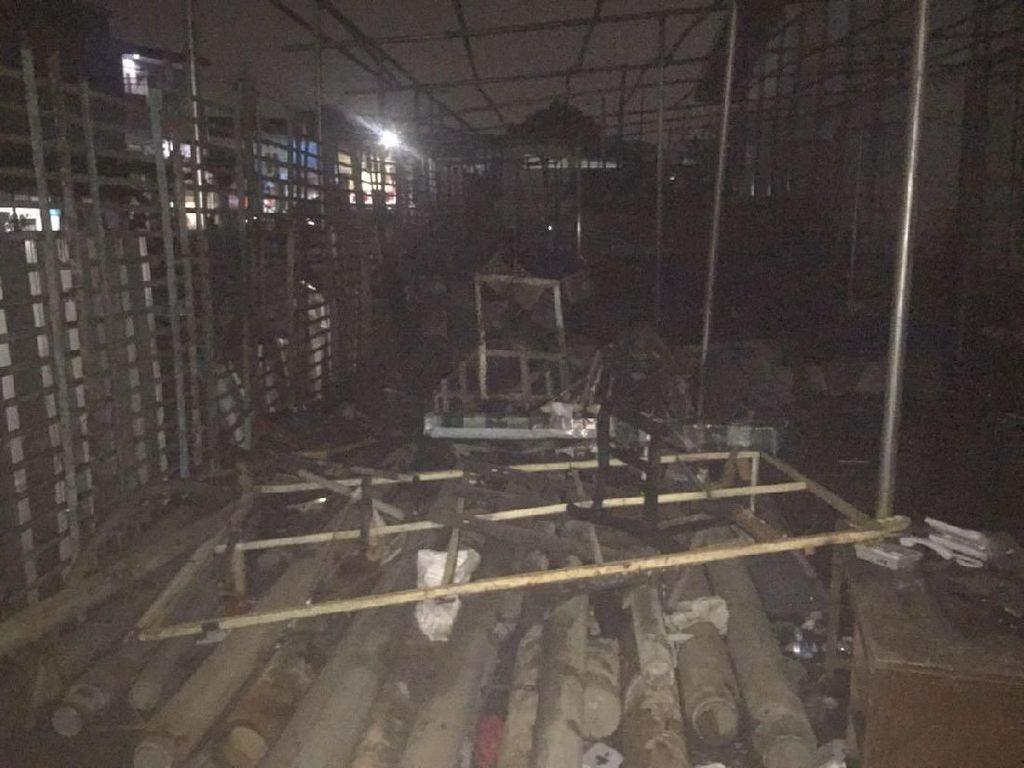 Kebakaran di Velodrome Padam, Rangka Aluminium Gudang Gosong
