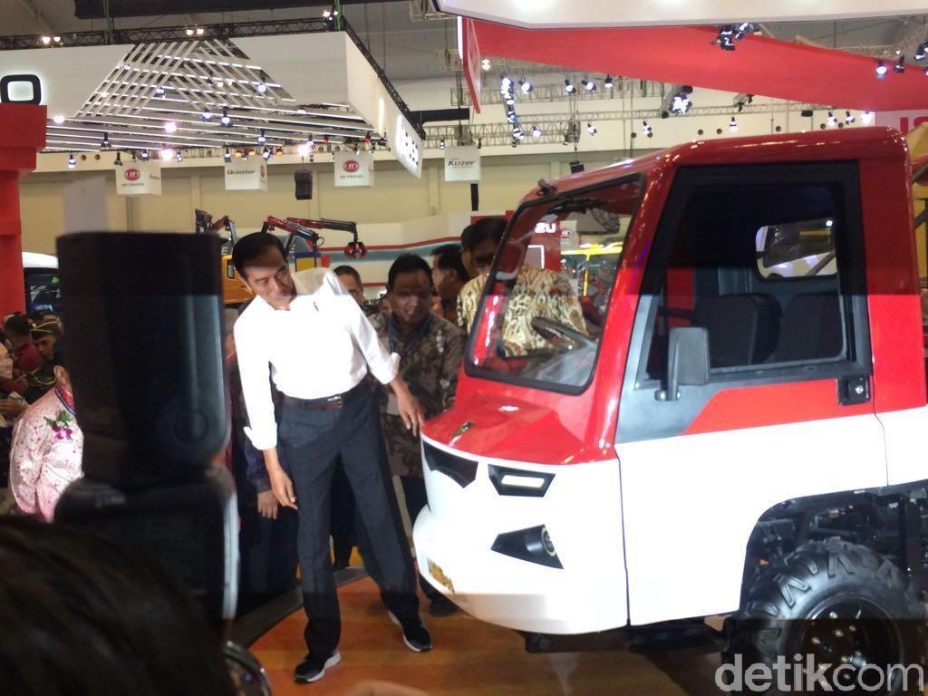 Video Jokowi Buka GIIAS 2018, Sekaligus Pamer Mobil Desa