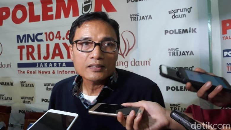 Yusril Jadi Lawyer Jokowi, PKS Ingatkan Idealnya Gabung Prabowo