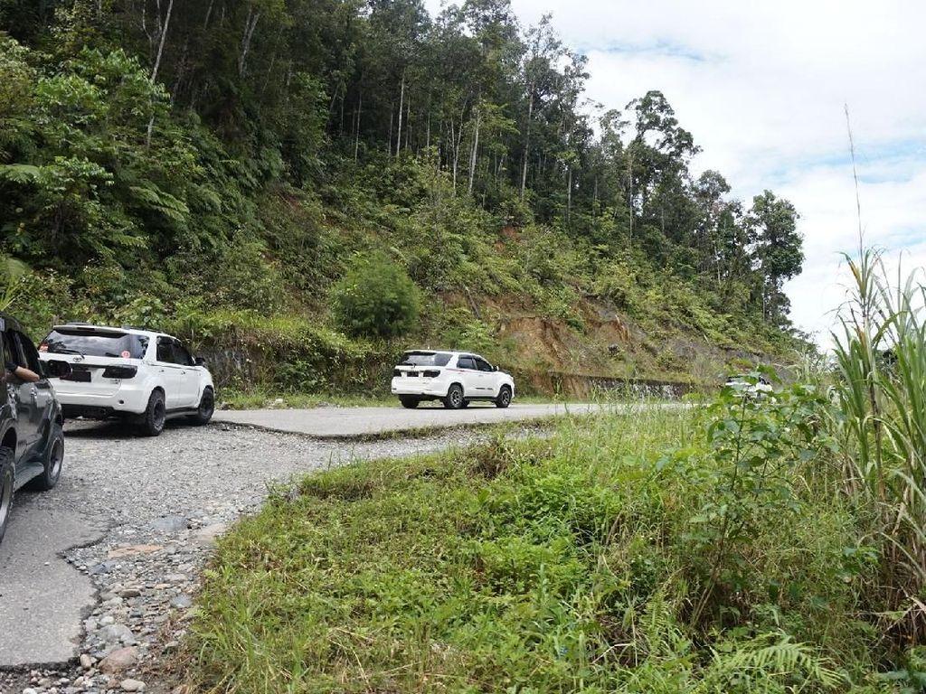 Angkot Mewah di Papua, Pakai Fortuner Cs