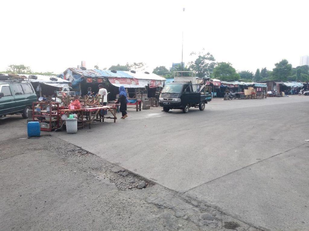 PKL di Terminal Depok Berharap Diberi Lahan Relokasi