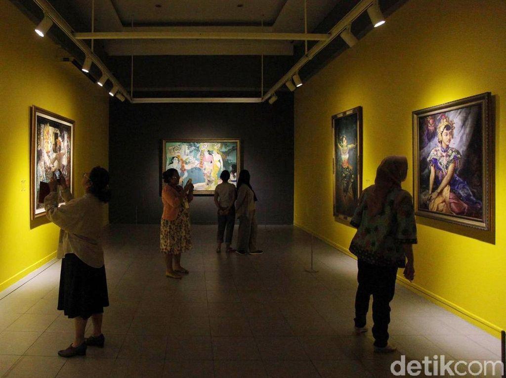 Melihat Lukisan Istana di Pameran Indonesia Semangat Dunia