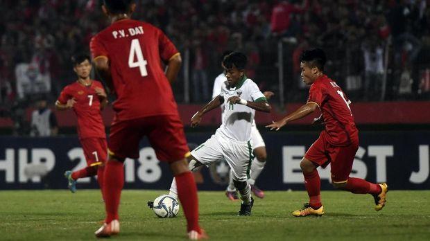 Timnas <a href='https://uzone.id/tag/indonesia' alt='Indonesia' title='Indonesia'>Indonesia</a> <a href='https://uzone.id/tag/u-16' alt='U-16' title='U-16'>U-16</a> membuka jalan meraih gelar juara Piala <a href='https://uzone.id/tag/aff' alt='AFF' title='AFF'>AFF</a> <a href='https://uzone.id/tag/u-16' alt='U-16' title='U-16'>U-16</a> untuk kali pertama.