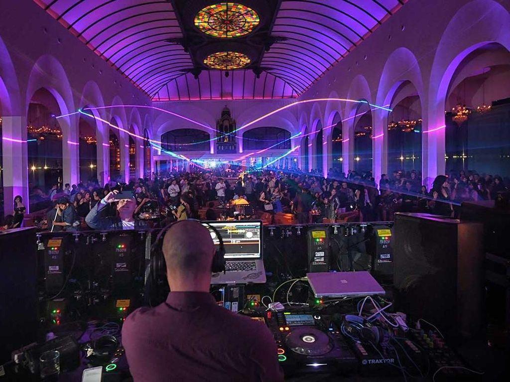 Live Music di DKI Dibolehkan, tapi Pengunjung Dilarang Melantai Dansa