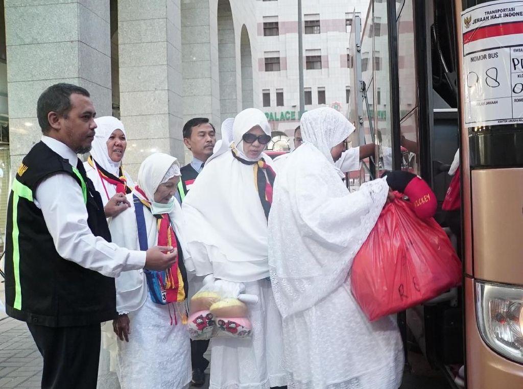 Sidik Jari Bermasalah, Calhaj Tertunda Keberangkatannya ke Mekah